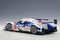 Toyota TS040 Hybrid LEMANS 2014 Composite Model by AUTOart in 1:18 Scale
