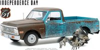 1971 Chevrolet C-10 with Alien Figure in 1:18 Scale by Highway 61