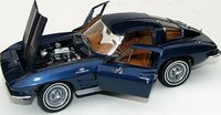 1963 Chevrolet Corvette Z06 Diecast Model Car in 1:24 Scale by the Franklin Mint