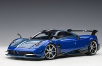 Pagani Huayra BC in Blue/Carbon in 1:18 Scale by AUTOart