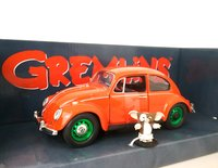 1967 Volkswagen Beetle w-Gizmo Figure - Gremlins (green wheels) in 1:18 Scale by Greenlight
