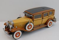 1930 CADILLAC IMPERIAL SEDAN in 1:24 scale Brown/yellow by The Franklin Mint