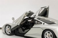 McLaren F1 in Magnesium Silver/Metallic Silver Diecast Model Car in 1:43 Scale by AUTOart