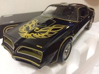 Smokey and the Bandit Pontiac Firebird Trans Am in 1:18 Scale by Greenlight