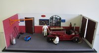 Classic Garage in 1:18 Scale by CMC