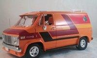 1976 Chevrolet G-Series Custom Van Diecast Model  in 1:18 Scale by Highway 61