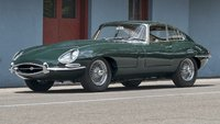 Jaguar E Type RHD British Racing Green in 1:18 Scale by Kyosho