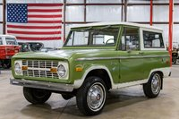 1975 Ford Bronco Sport Medium Green Glow in 1:18 Scale by Greenlight