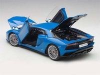 Lamborghini Aventador S in Blue in 1:18 Scale by AUTOart
