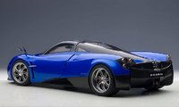 Pagani Huayra in Blue in 1:12 Scale by AUTOart