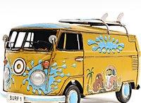 1967 Volkswagen Deluxe Bus in 1:18 scale by Old Modern Handicrafts