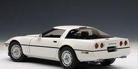 1986 CHEVROLET CORVETTE in WHITE Diecast Model Car in 1:18 Scale by AUTOart