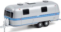 1971 Airstream Double-Axle Land Yacht Safari Silver with Blue Stripe in 1:64 scale by Greenlight