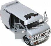 1983 GMC VANDURA custom, silver metallic in 1:18 scale by Greenlight