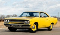 1970 PLYMOUTH ROAD RUNNER Lemon Twist with Black Interior in 1:18 scale by GMP