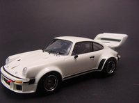 Porsche 934/5 Big Wing 1976 in White Diecast Model Car in 1:43 Scale by Kyosho