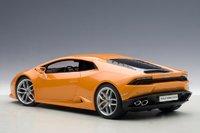 Lamborghini Huracan LP610-4 in Arancio Borealis/Orange Metallic Model Car in 1:18 Scale by AUTOart