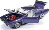 1971 Plymouth Road Runner 440 in Violet 1:18 Scale by Auto World