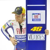 Figurine - Valentino Rossi, Sepang MOTOGP 2010, 46 Victories Diecast Model in 1:12 Scale by Minichamps
