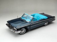 1963 Ford Galaxie 500 / XL Convertible in 1:18 Scale by SunStar