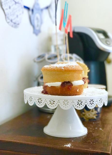 How to Make A Mini Victorian Sponge Cake