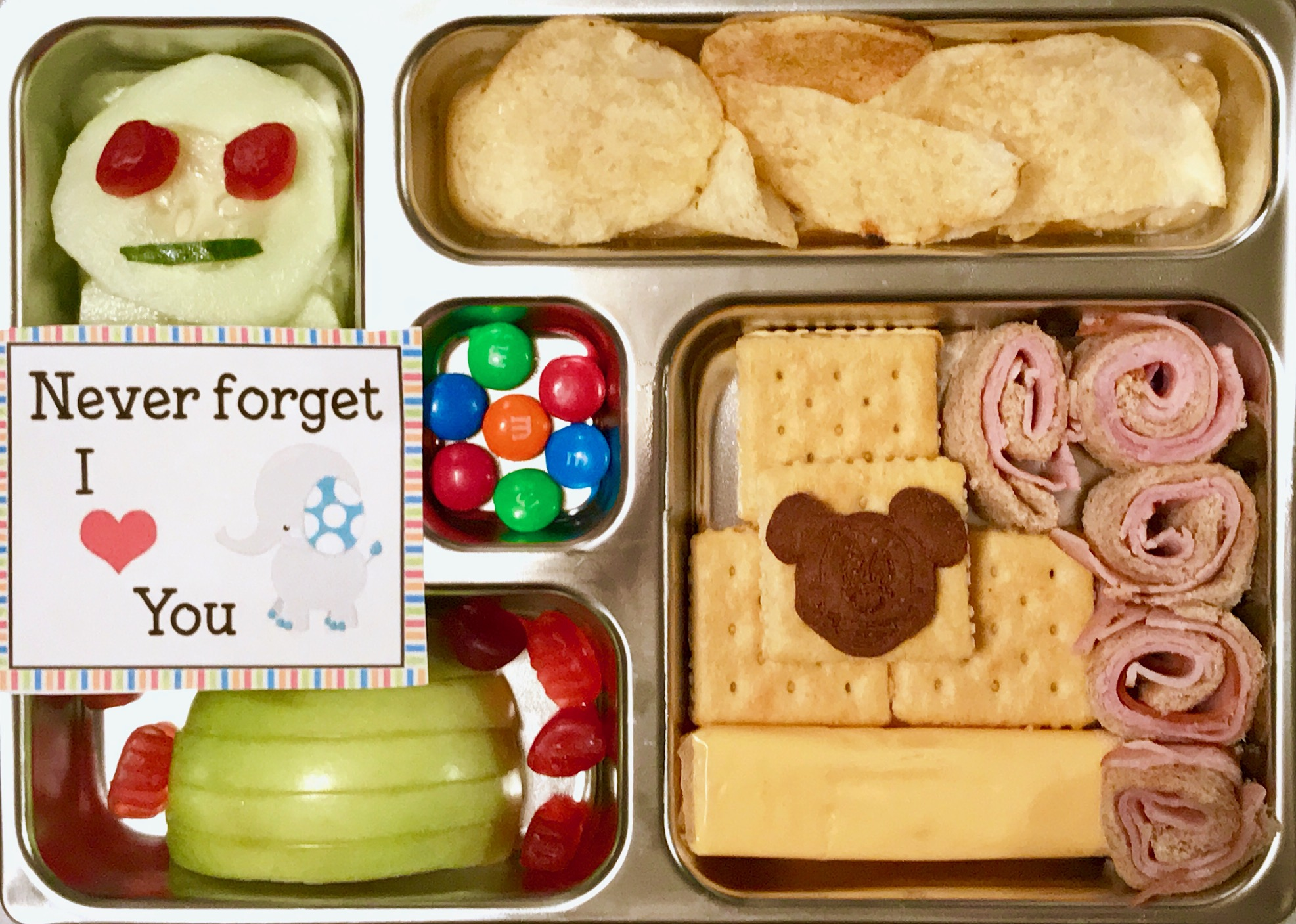 5 Lunchbox Must Haves That Will Make Your Kid Happy