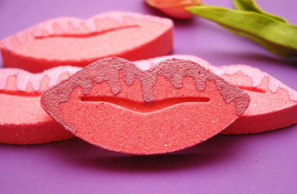 lips shaped lip balms
