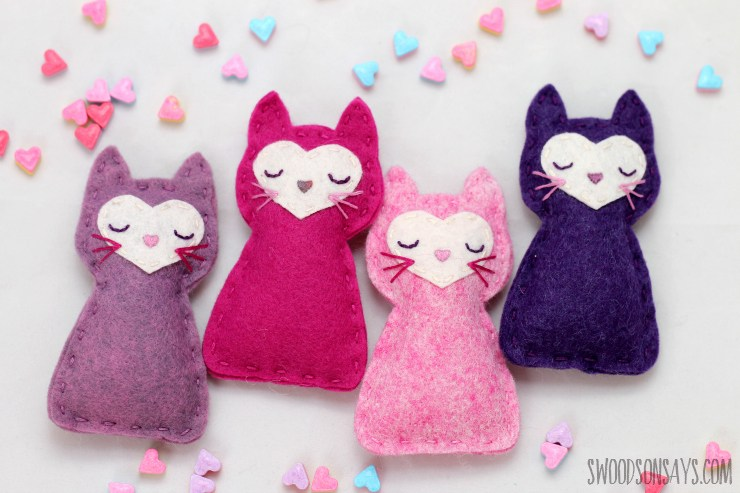 4 pink and purple stuffed cats to sew