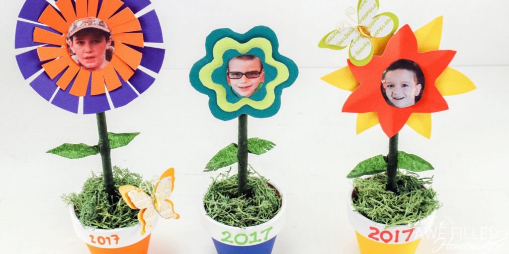 DIY mother's day flower pots with paper flowers and pictures
