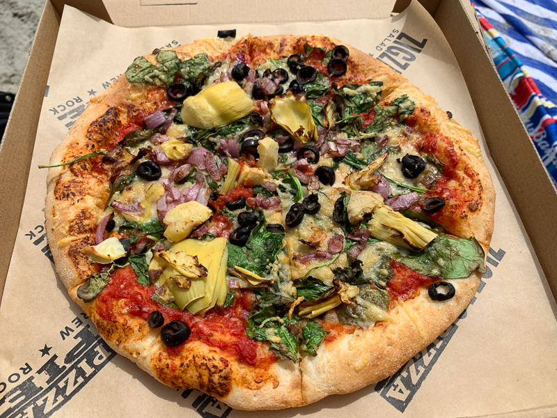 pizza with artichokes