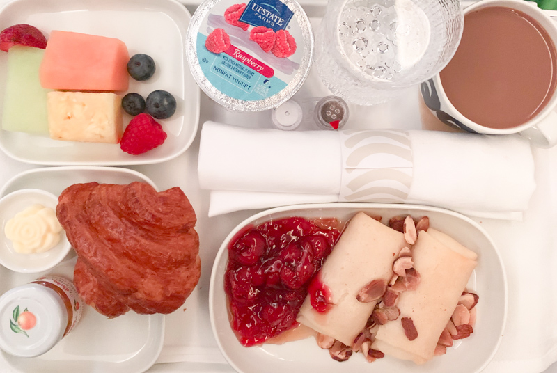 breakfast on business class Finnair