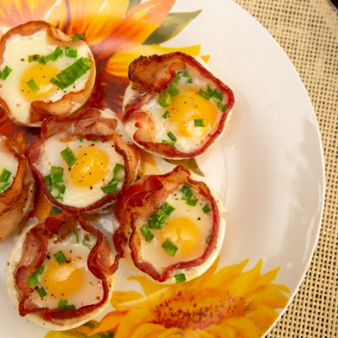 Keto Egg and Bacon Cups