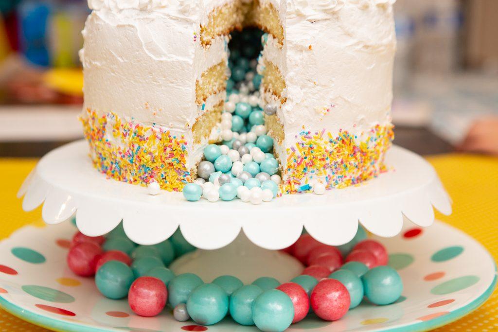 gender reveal surprise cake