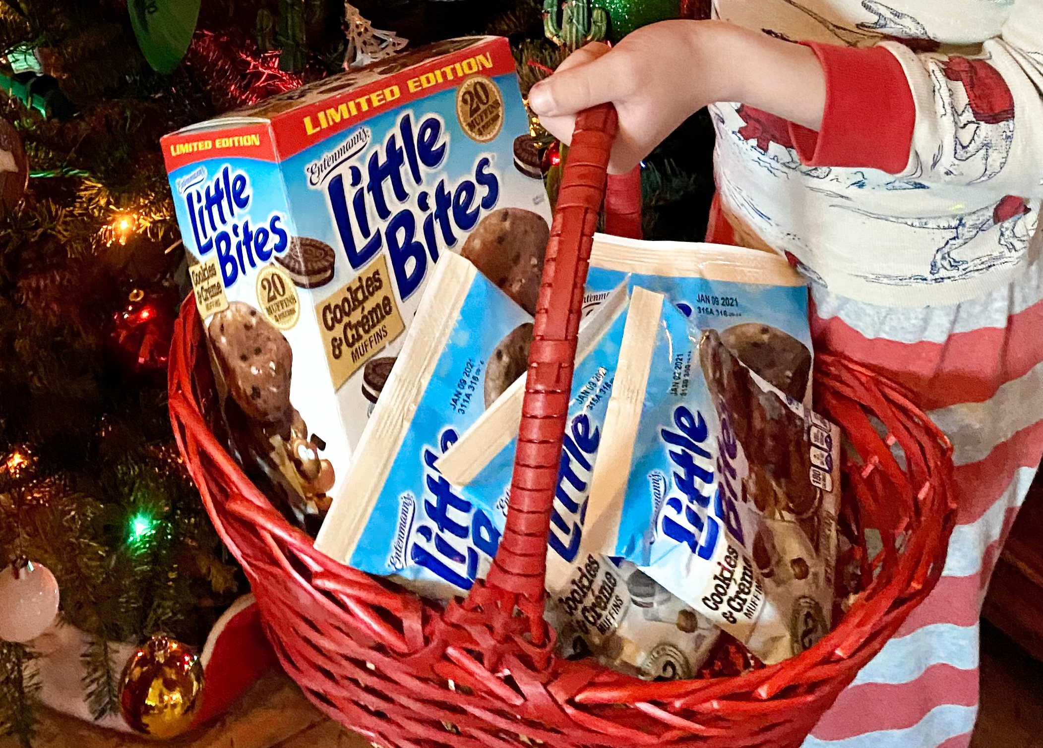 Celebrating the Holidays with Entenmann's® Little Bites® Cookies & Crème Muffins