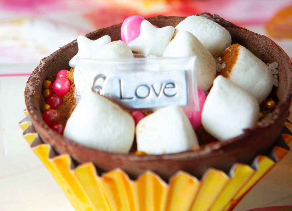 cocoa bomb with love charm