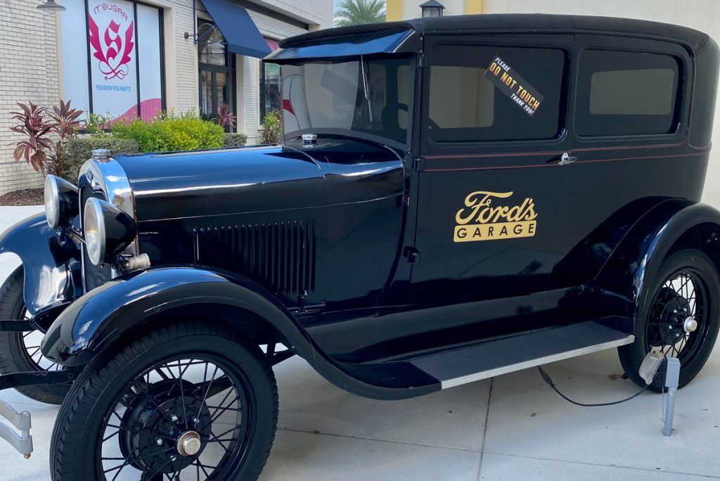 Fords Garage old fashioned car disply