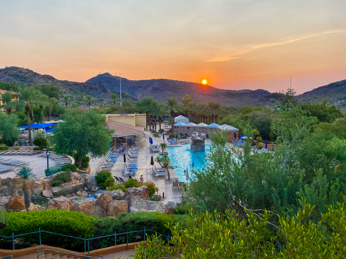 10 Reasons To Stay At The Pointe Hilton Tapatio Cliffs Resort