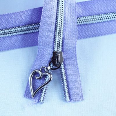 #5 Lavender Zipper With Silver Coil