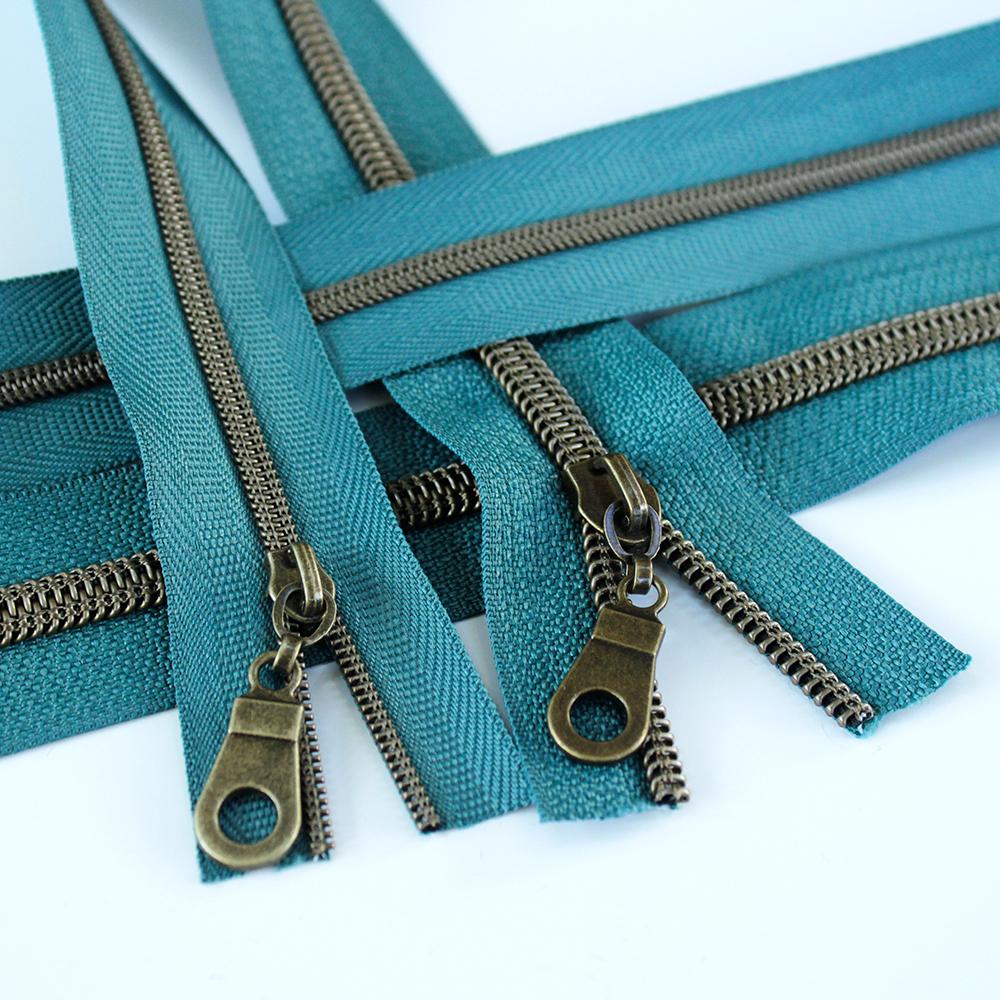3-5-Nylon-Coil-Zipper-blue-cork-spruce-with-bronze-teeth