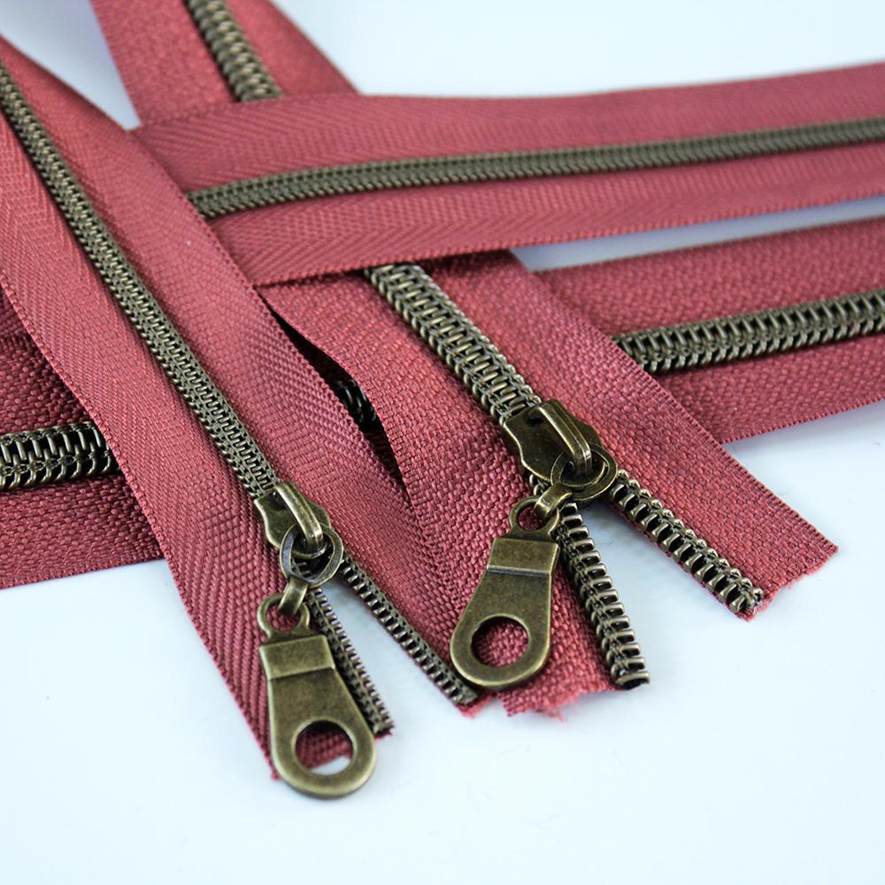 3-5-Nylon-Coil-Zipper-brick-with-bronze-teeth