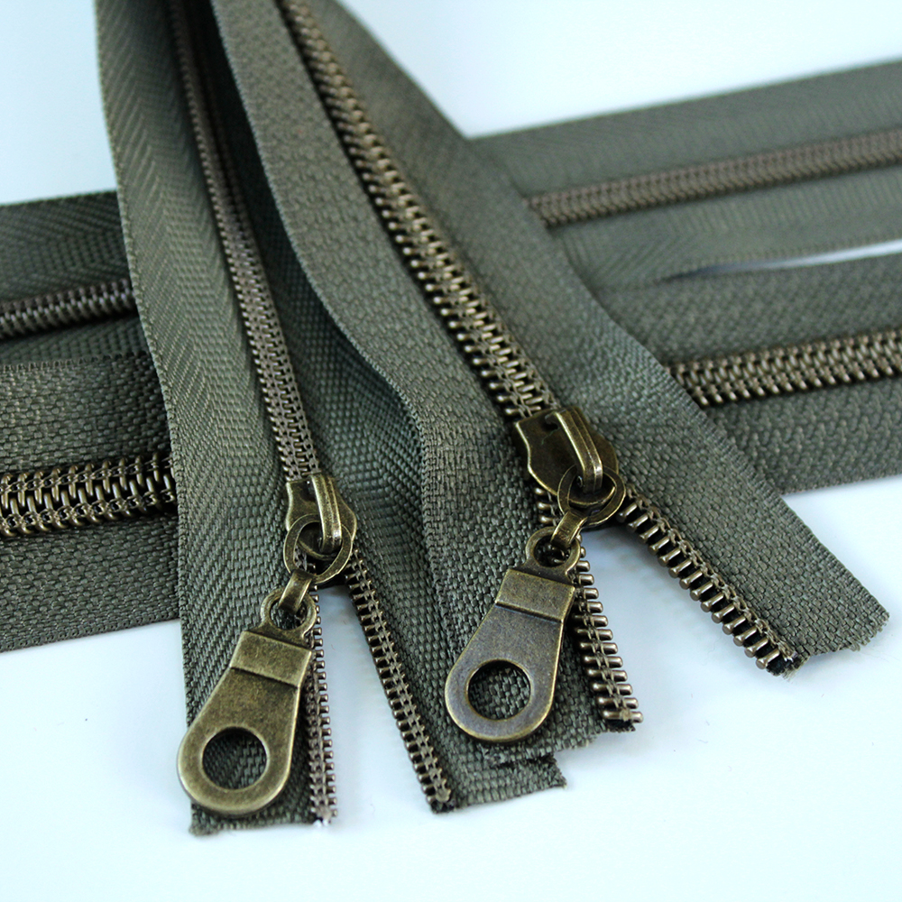 3-5-Nylon-Coil-Zipper-green-with-bronze-teeth