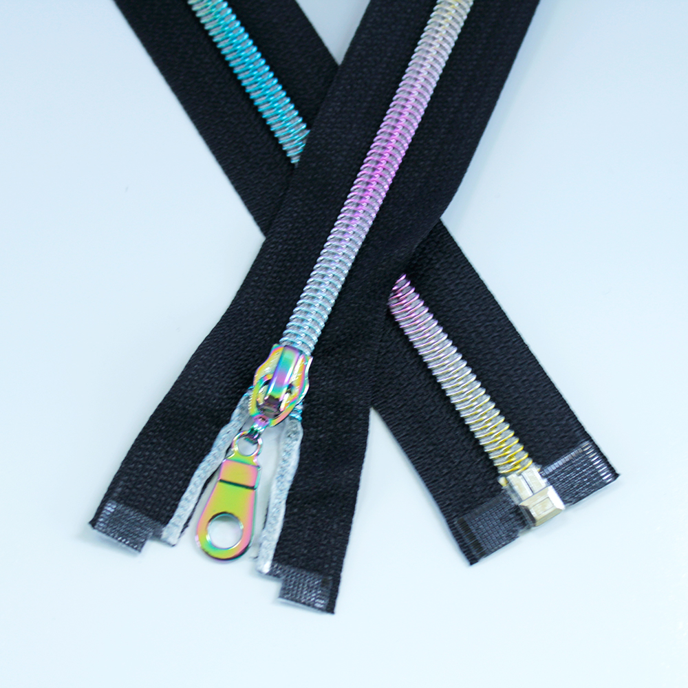 #5-separating zipper-black--with-rainbow-coil