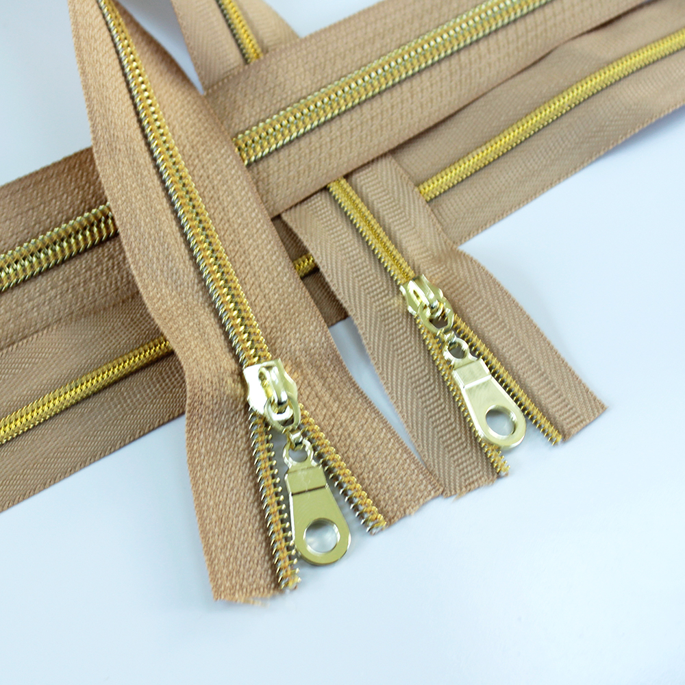 3-5-Nylon-Coil-Zipper-natural-with-gold-teeth
