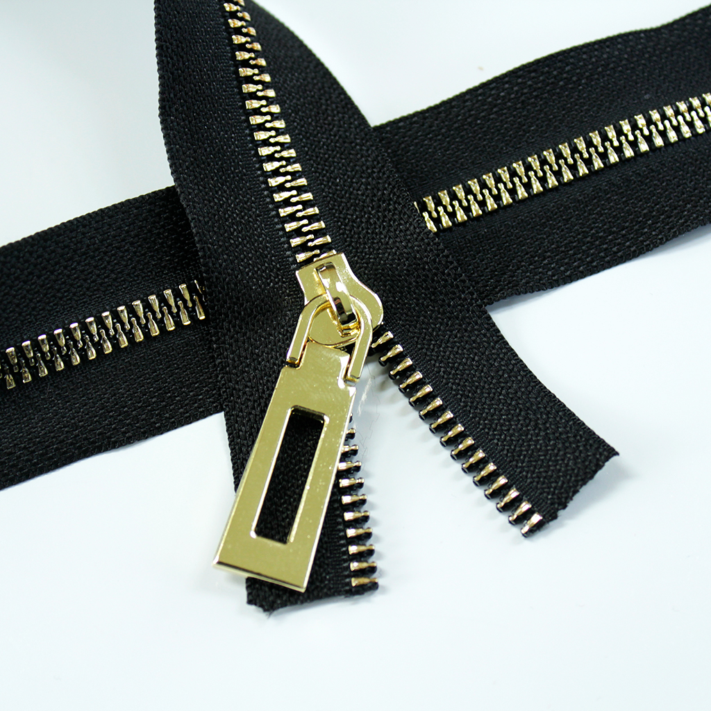 Resin_Coil_Zipper_Black_with_gold_teeth