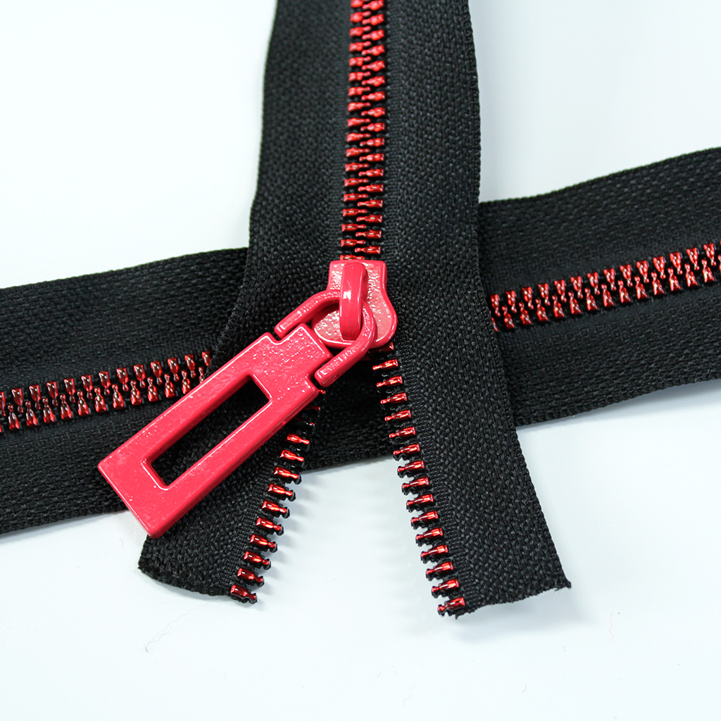Resin_Coil_Zipper_Black_with_red_teeth