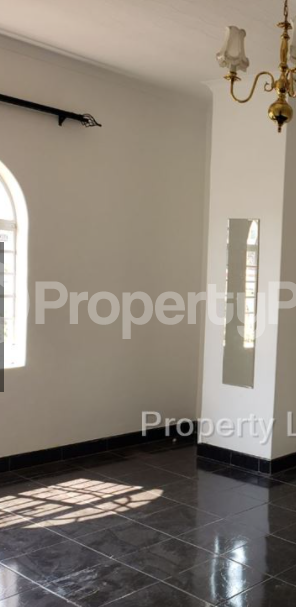 2 bedroom Townhouses Garden Flat for rent Avenues Harare CBD Harare - 3
