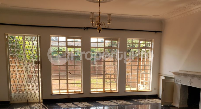 2 bedroom Townhouses Garden Flat for rent Avenues Harare CBD Harare - 2