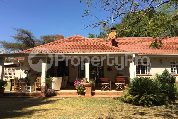 3 bedroom Townhouses Garden Flat for sale - Harare CBD Harare - 0