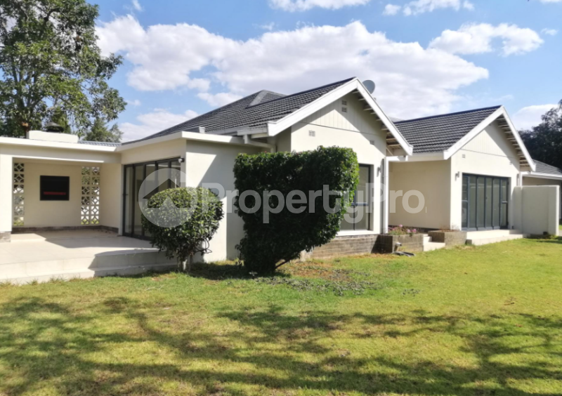 4 bedroom Townhouses Garden Flat for sale Groom Bridge Harare North Harare - 0