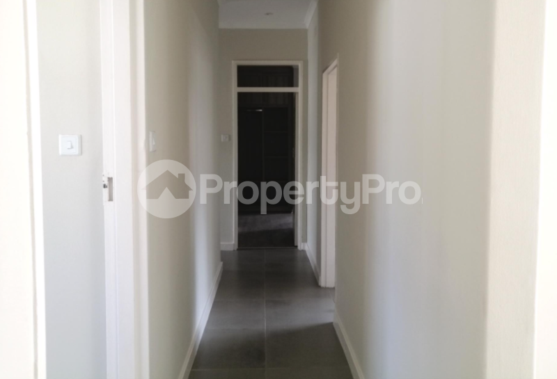 4 bedroom Townhouses Garden Flat for sale Groom Bridge Harare North Harare - 4
